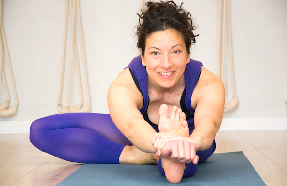 nathalie raising teaches at LiveYoga iyengar yoga shala amsterdam