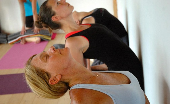 Neck & shoulders yoga at liveYoga Amsterdam